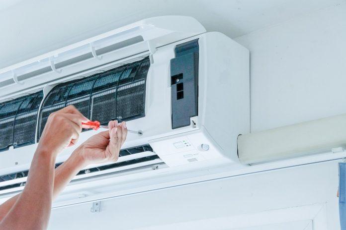 Co obejmuje serwis domowej klimatyzacji?