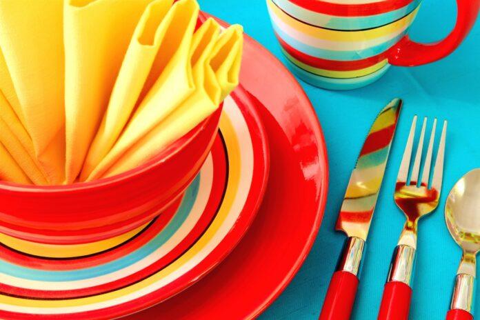 Elementy zestawu obiadowego na 12 osób