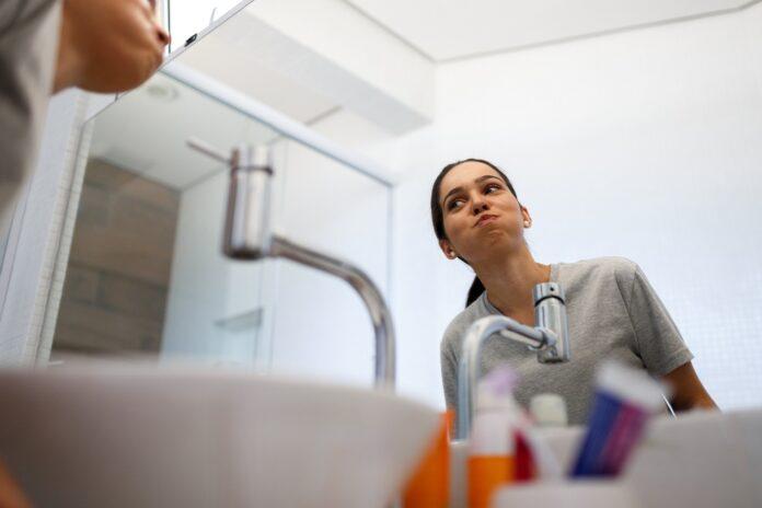 Kiedy i jakimi preparatami należy odkażać jamę ustną?