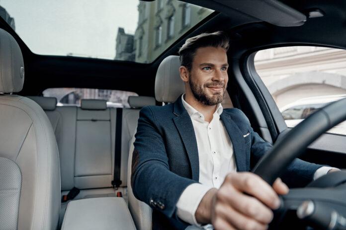 Jak jeździć bezpiecznie wynajętym samochodem?