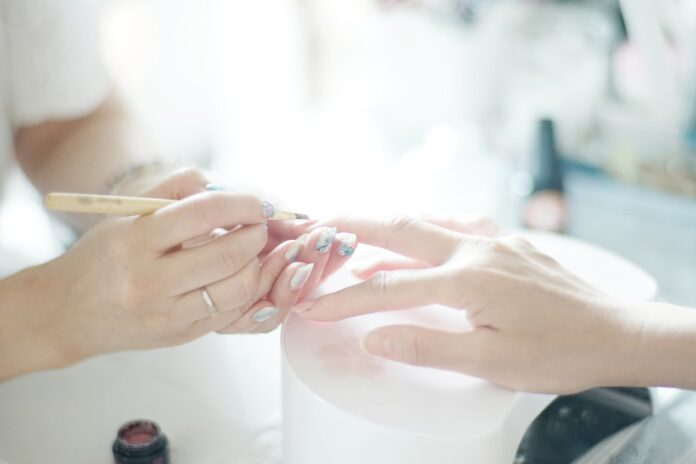 Co warto wiedzieć o japońskim manicure?